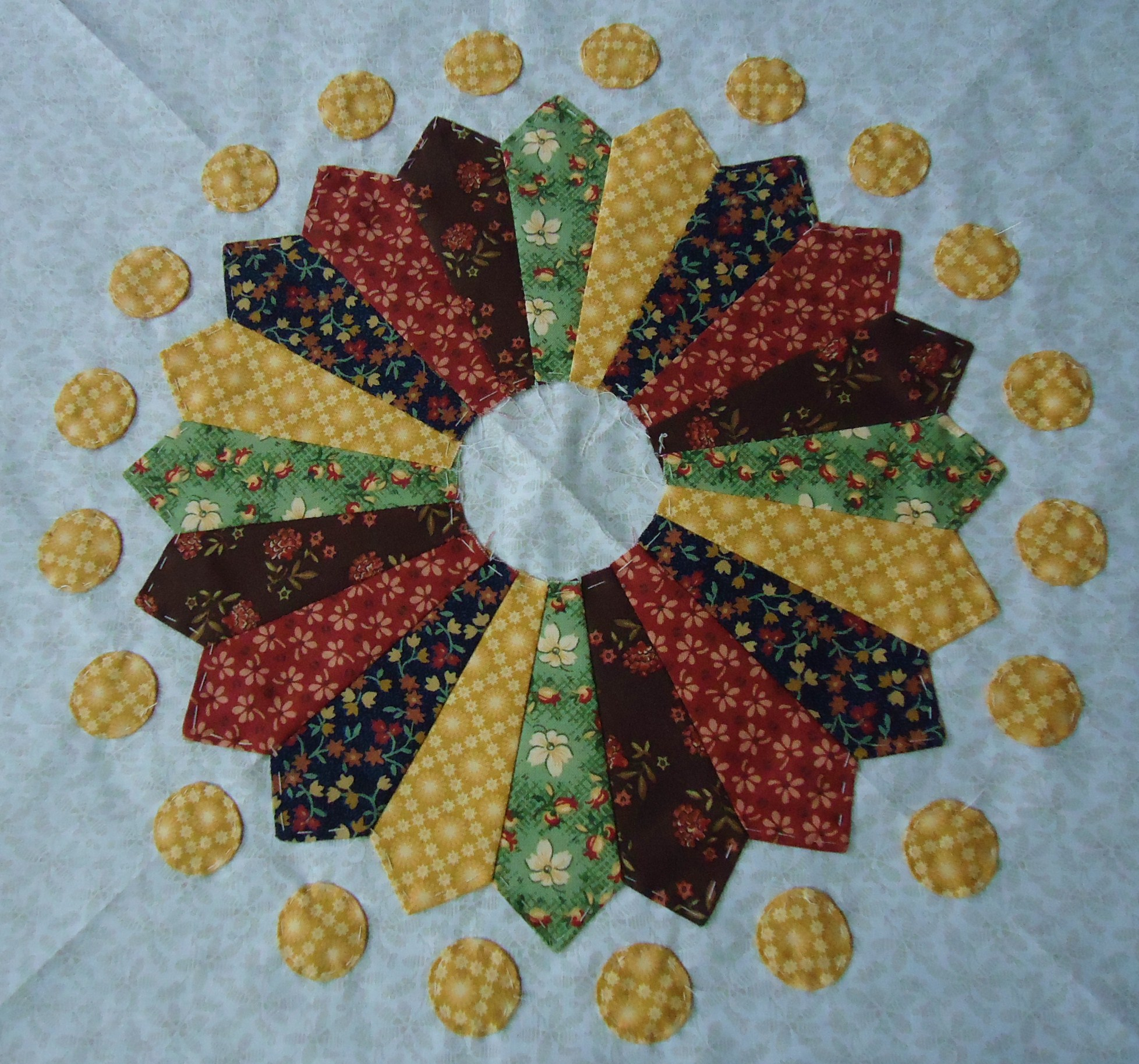Round Robin Quilts | Lucie The Happy Quilter's Blog : happy quilting - Adamdwight.com