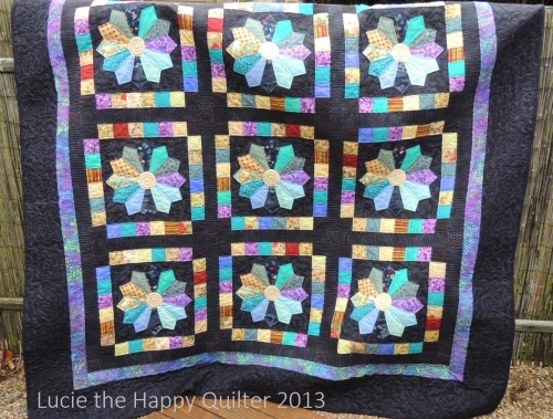 Scrappy Dresden Plate Quilt finished