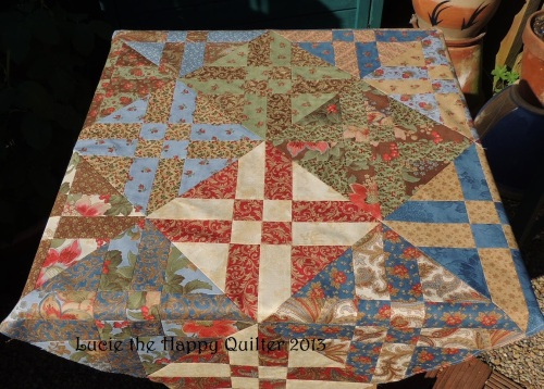 Arrowhead Table Topper